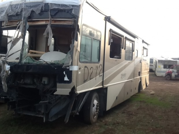 2002 FLEETWOOD AMERICAN EAGLE MOTORHOME USED SALVAGE PARTS FOR SALE